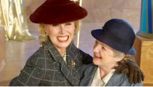 Dolly Bantry (Joanna Lumley) selvittää Neiti Marplen (Julia McKenzie) kanssa välikohtausta kuuluisan näyttelijättären kutsuilla.